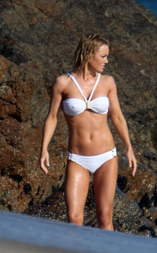 Kelly Carlson Nipples