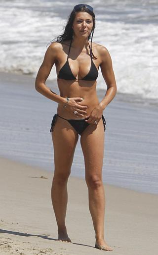 Adrianne Curry Bikini Pictures