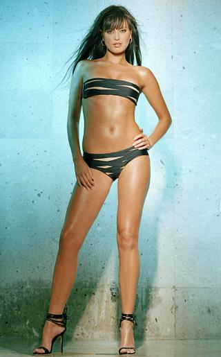 Holly Valance Bikini Pictures