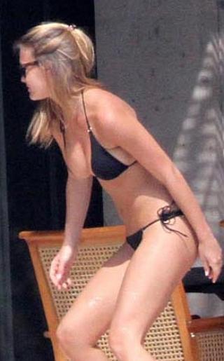Bar Refaeli Bikini Pictures