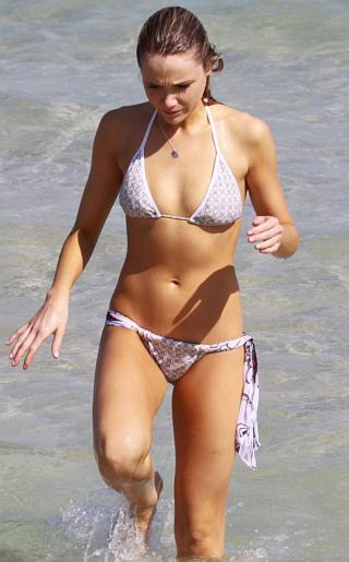 Katrina Bowden Bikini Pictures
