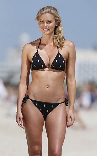 Kelly Landry Bikini Pictures