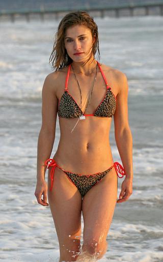Lili Bordan Bikini Pictures