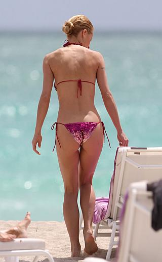Michelle Hunziker Bikini Pictures