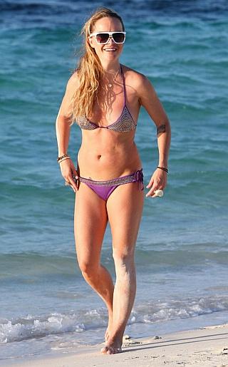Taryn Manning Bikini Pictures
