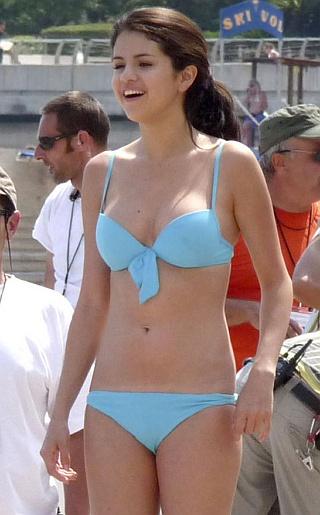 Selena Gomez GOT DAM DEM LEGS