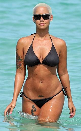 Amber Rose Bikini Pictures