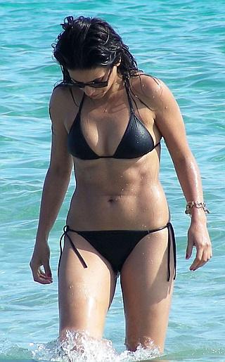 Monica Cruz Bikini Pictures