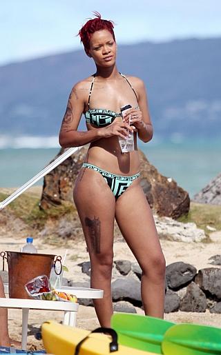 Rihanna Bikini Pictures