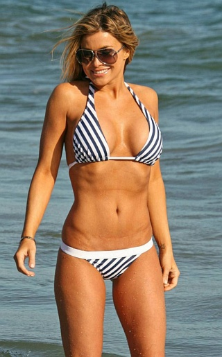 Hot pictures of carmen electra in her bikini