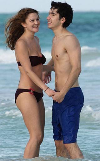 Drew Barrymore  Bikini Pictures