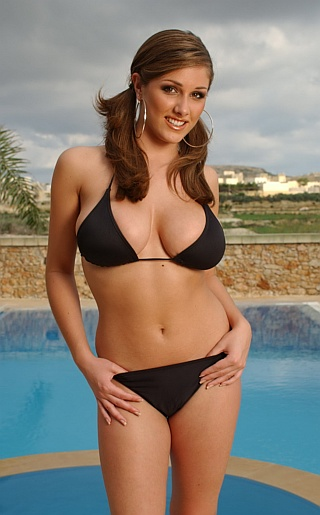 lucy pinder bikini2 Download Bad Girls 3 Android free game. Get full version of Android apk app ...