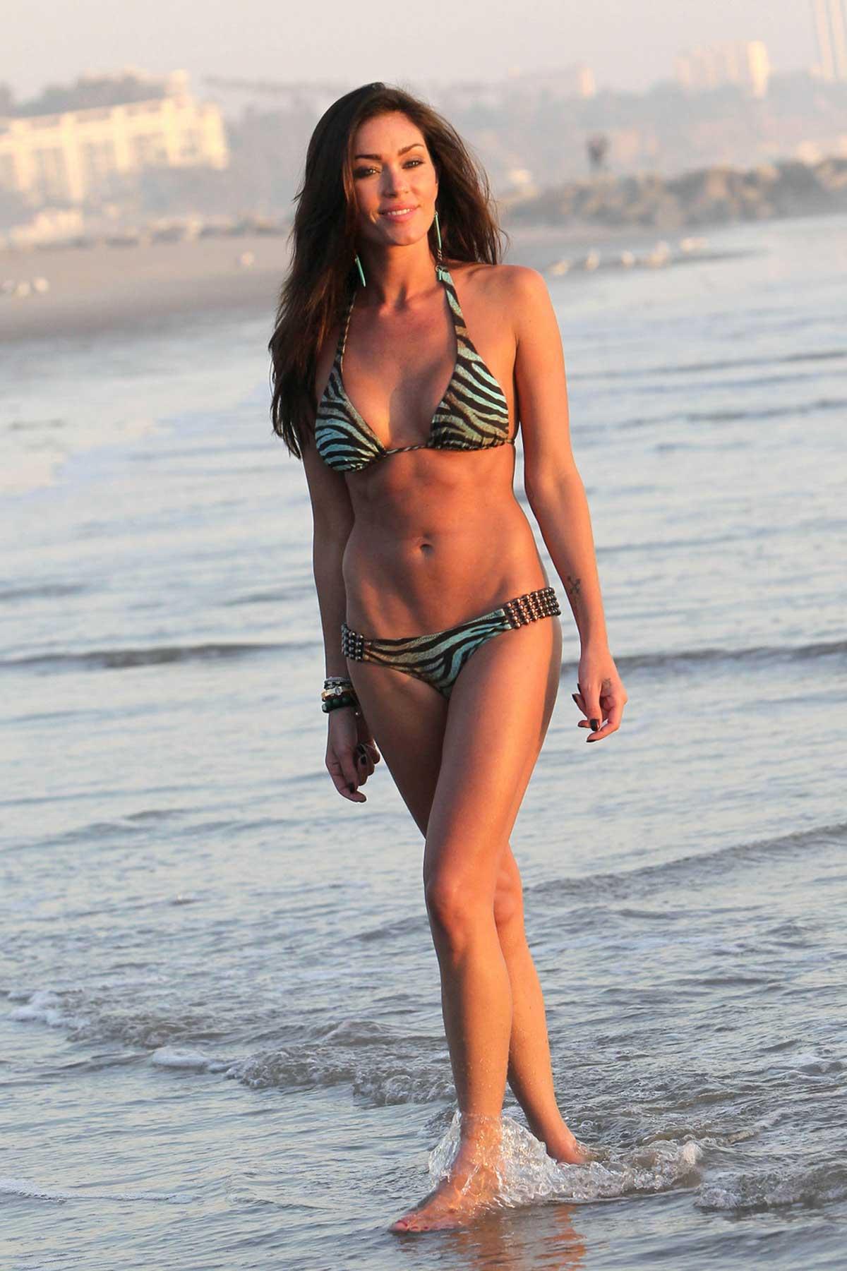 Jasmine Waltz Bikini Pictures