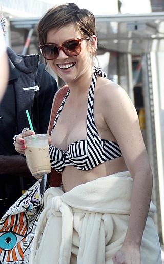 Jessica Stroup Bikini Pictures