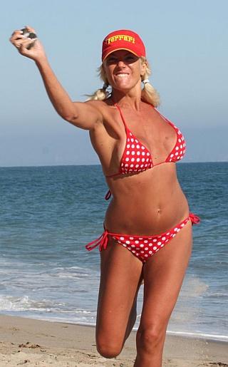 Angel Iliana Fischer Bikini Pictures