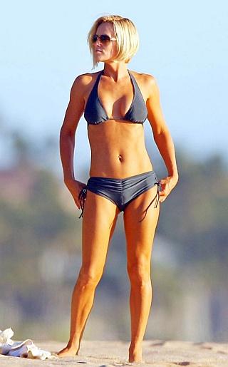 Jenny McCarthy Bikini Pictures