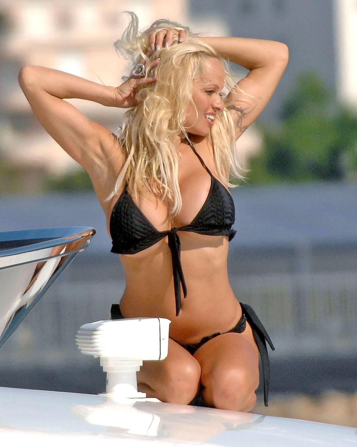 Pamela Anderson Bikini Pictures