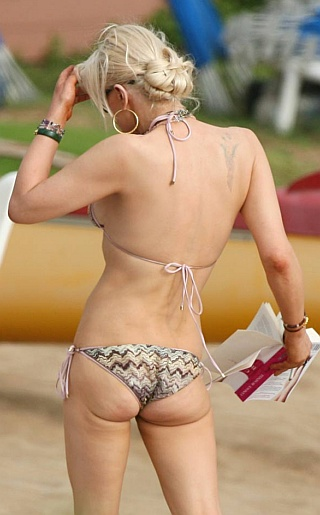 Courtney Love Bikini Pictures