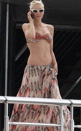 Gwen Stefani Bikini Pictures