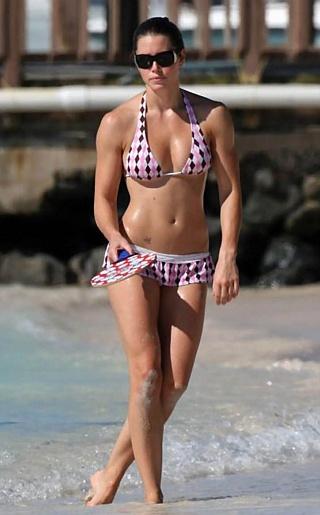 Jessica Biel Bikini Pictures