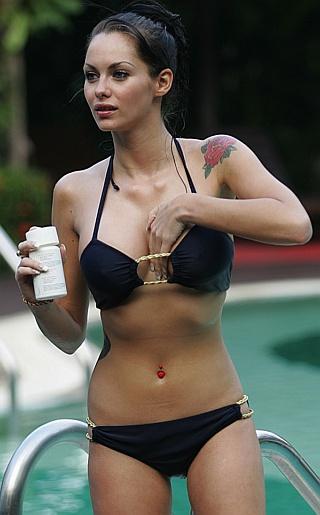 Jessica Jane Clement Bikini Pictures