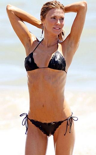 Brandi Glanville Bikini Pictures