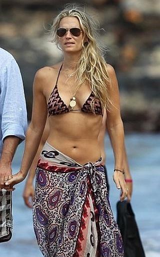 Molly Sims Bikini Pictures