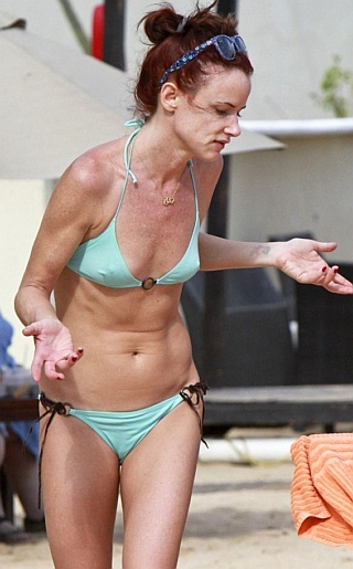 Juliette Lewis Bikini Pictures