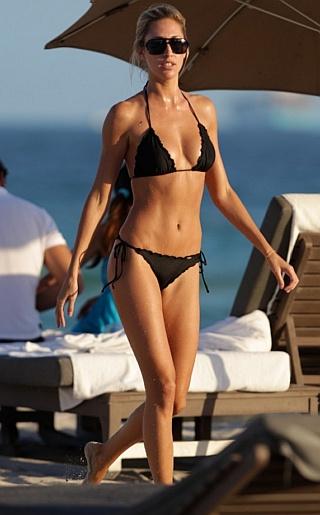 Laura Stoner Bikini Pictures