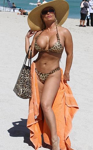 Nicole Coco Austin Bikini Pictures