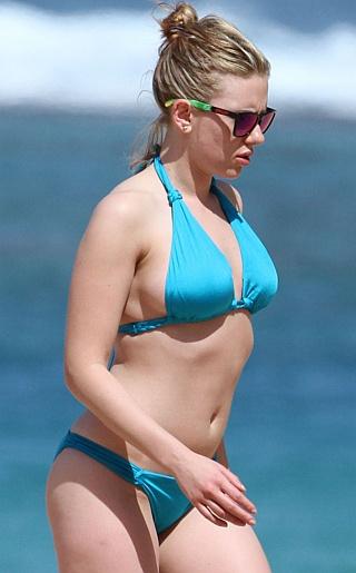 Scarlett Johansson Bikini Pictures