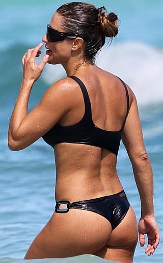 Lola Ponce Bikini Pictures