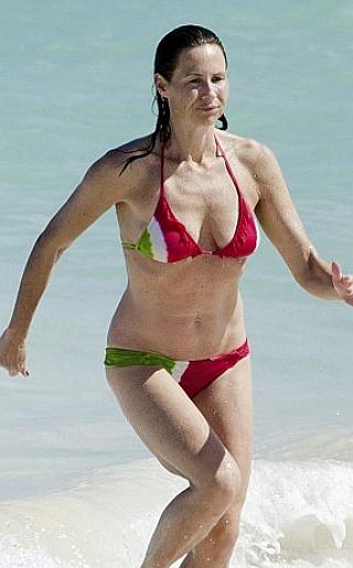 Minnie Driver Bikini Pictures