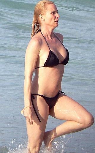 Nicollette Sheridan Bikini Pictures