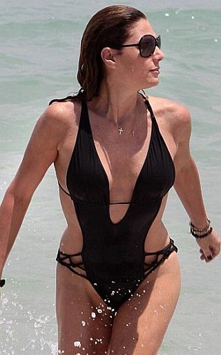 Daisy Fuentes Bikini Pictures