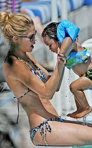 Doutzen Kroes  Bikini Pictures