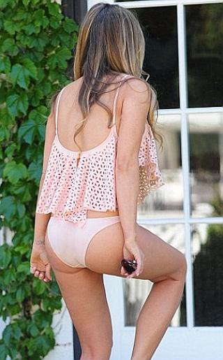 Carmen Electra Bikini Pictures