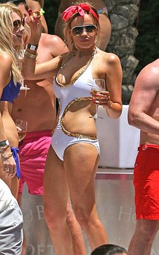 Maria Fowler Bikini Pictures