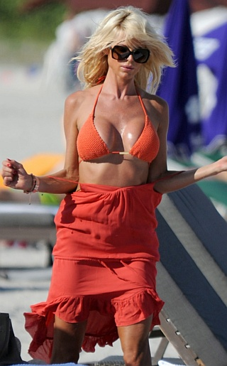 HVictoria Silvstedt Bikini Pictures