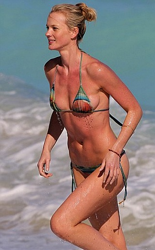 Anne Vyalitsyna Bikini Pictures
