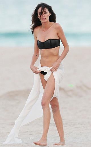 Nicole Trunfio Bikini Pictures