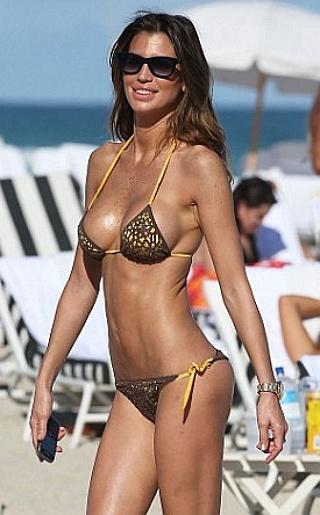 Claudia Galanti Bikini Pictures