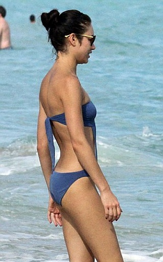 Olga Kurylenko Bikini Pictures
