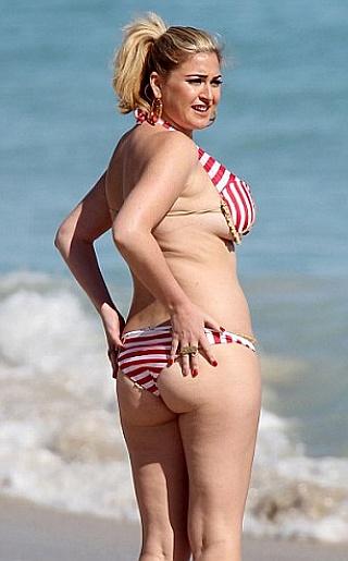 Josie Goldberg Bikini Pictures