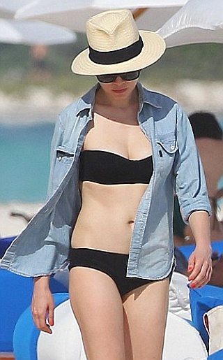 Celebrity Bikini Gossi... Michelle Williams Singer