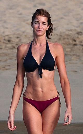 Sephanie Seymour  Bikini Pictures