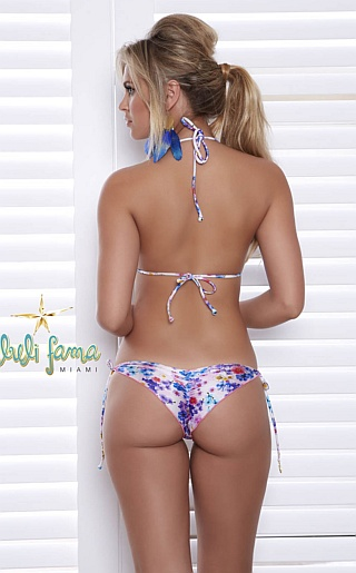 Elisandra Tomacheski Bikini Pictures