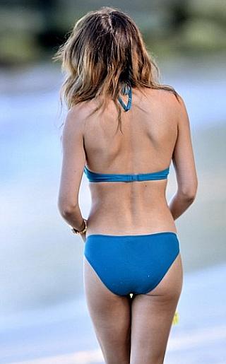Danielle Lineker Bikini Pictures