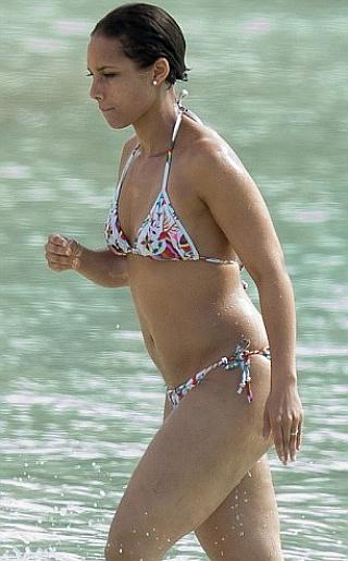 Alicia Keys Bikini Pictures