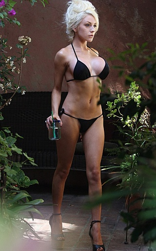 Courtney Stodden Bikini Pictures